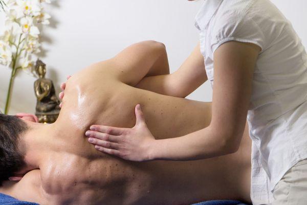 Wat is een frozen shoulder en wat kan fysiotherapie betekenen?